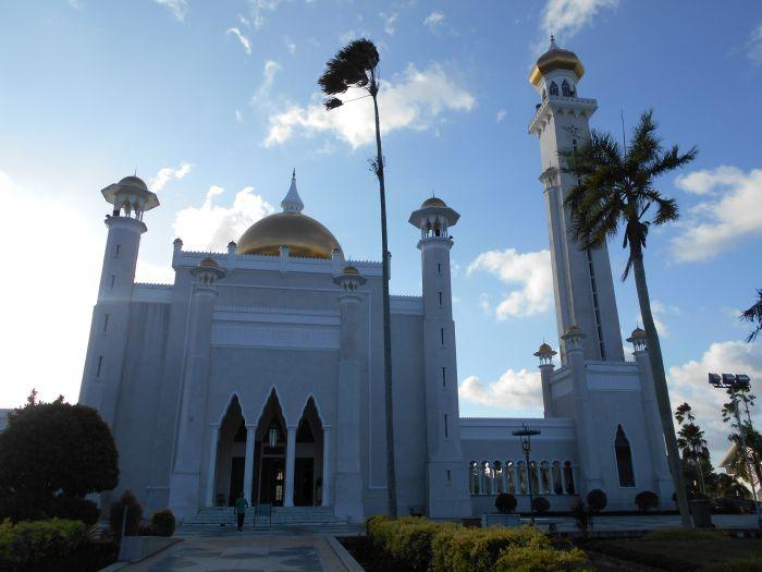 Meczet Omar Ali Saifuddin w Bandar Seri Begawan w Brunei Darussalam