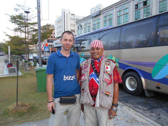 Daniel bezinteresownie pomaga turystom w Brunei