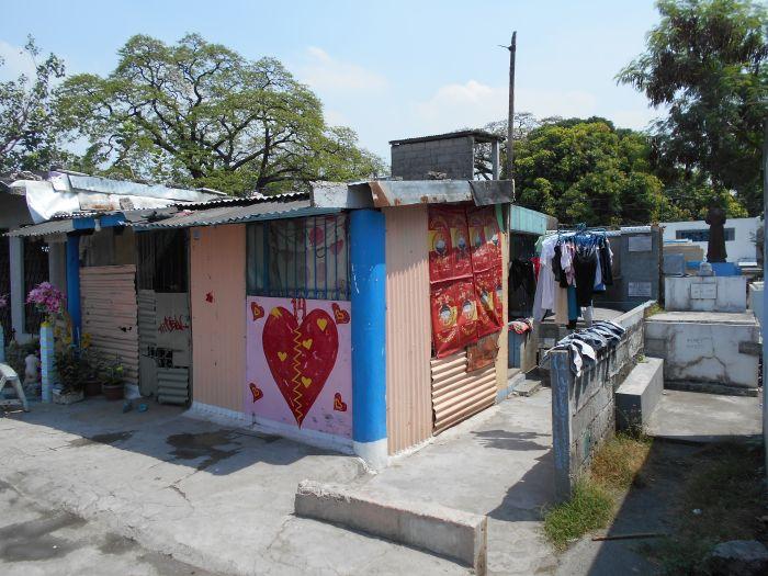 Na Cmentarzu Północnym w Manili mieszka kilkanaście tysięcy ludzi