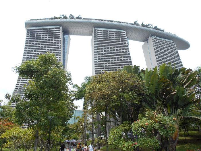 Hotel Marina Bay Sand - symbol współczesnej architektury w Singapurze
