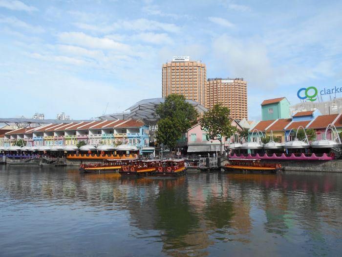 Spacer promenadą nad rzeką Singapur