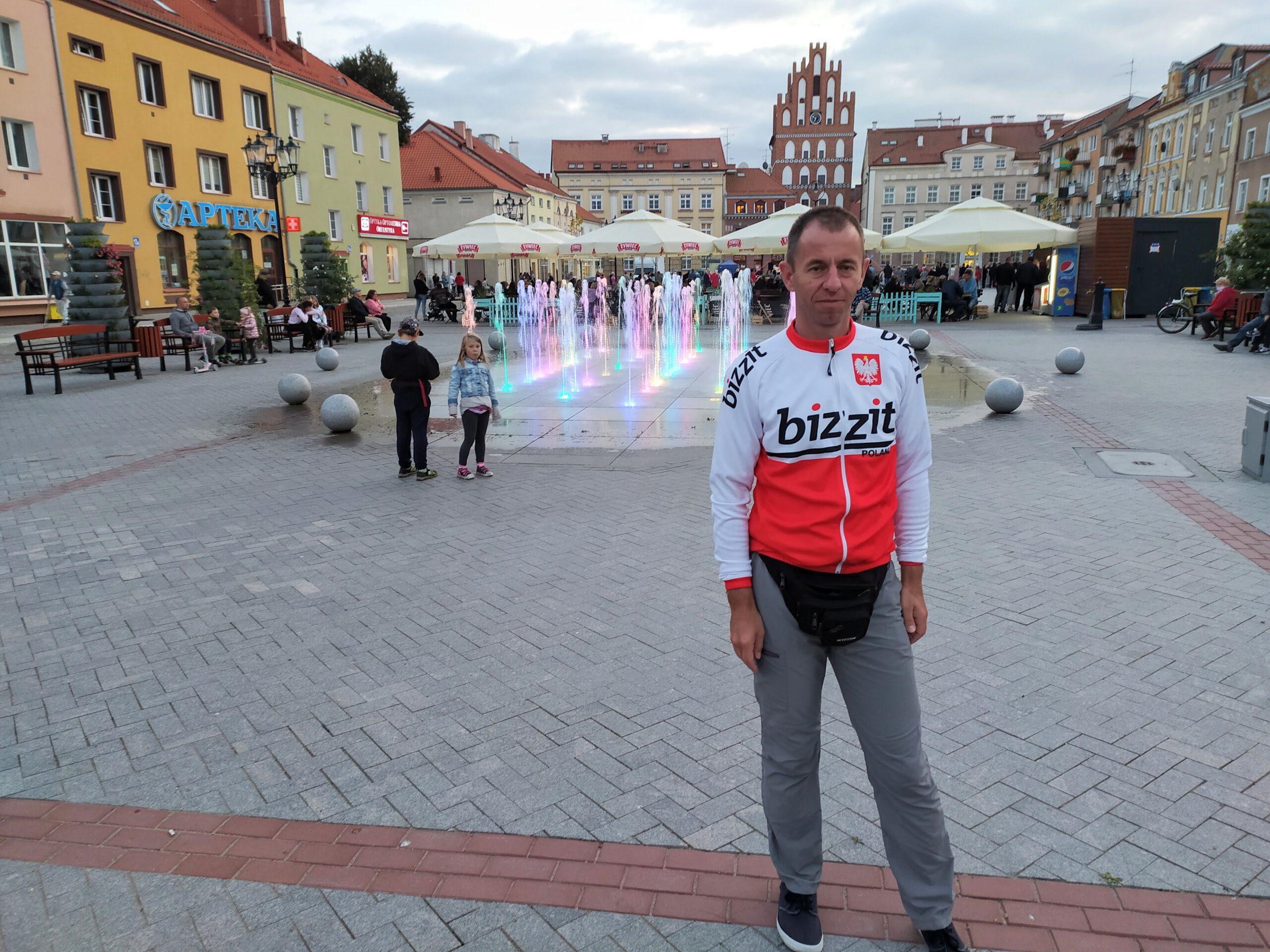 Na zabrukowanym rynku w Bartoszycach