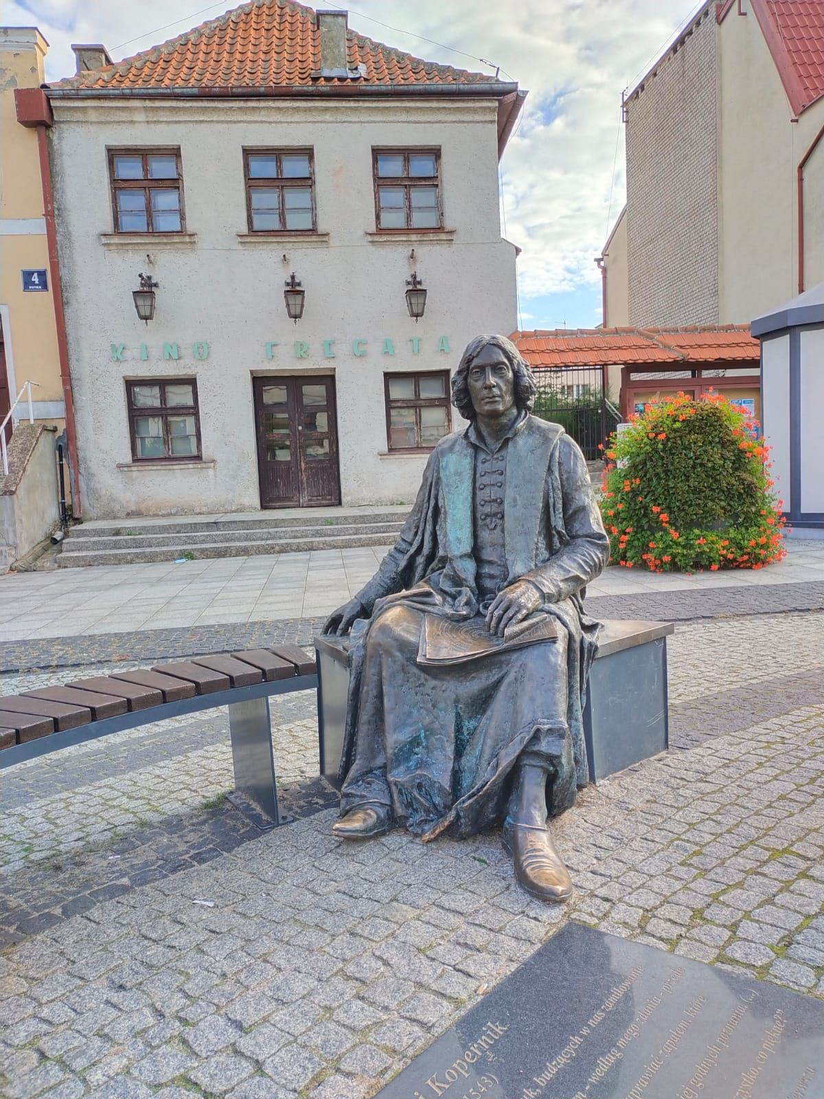 Pomnik astronoma, lekarza i zakonnika